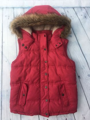 FatFace red gillet with sherpa lining and furry hood age 10-11